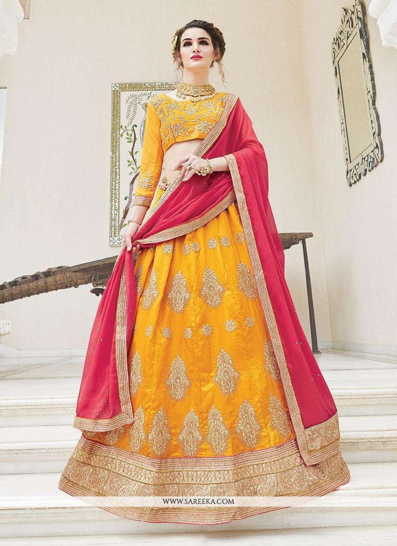 Lehenga For Mehndi Ceremony : Buy enthralling a line lehenga choli for mehndi online at